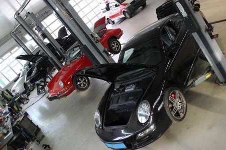 Porsche 911 Carrera 4S vs 912
